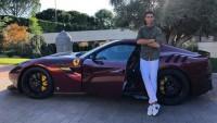 Кристиано Роналдо си купи лимитирано Ferrari