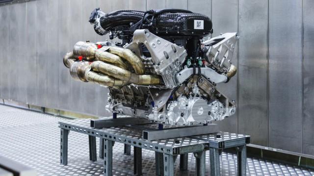 Aston Martin представи свръхмощен двигател